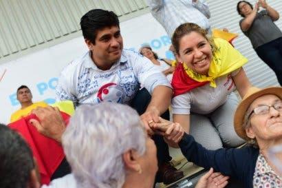 Carlos Alvarado promete el gobierno con el mayor número de mujeres de la historia