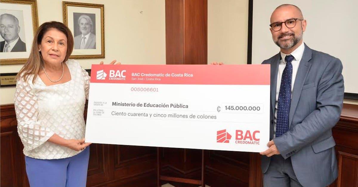 BAC Credomatic dona aulas móviles para utilizar en escuelas afectadas por Tormenta Nate