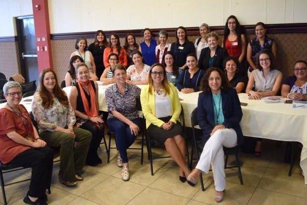 Micitt reunió a mujeres para hablar sobre participación femenina en la ciencia y tecnología