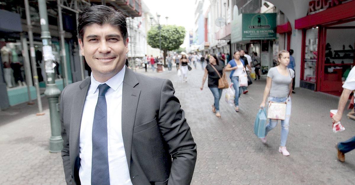 Carlos Alvarado asumirá con la peor perspectiva fiscal y económica de este siglo