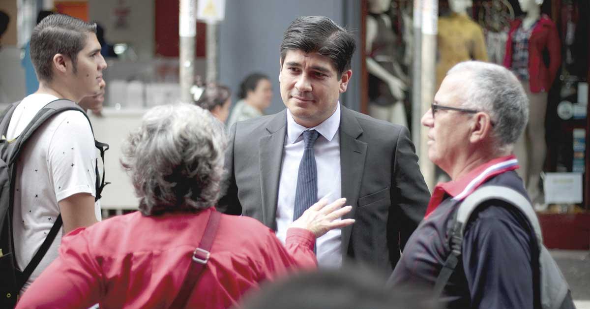 Contener gasto público es la tarea urgente de Carlos Alvarado