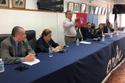 Movimiento sindical reelige a Mario Devandas como su representante ante la Junta Directiva de la Caja