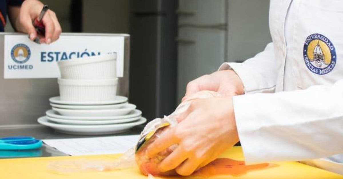Nutricionistas exhiben sus emprendimientos en feria de Ucimed