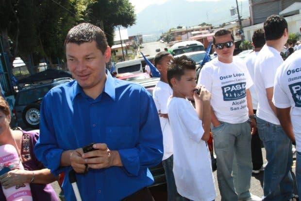 Fiscalía presenta denuncia contra Óscar López