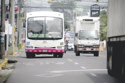 Carriles exclusivos ahorrarían 30 minutos a usuarios de buses