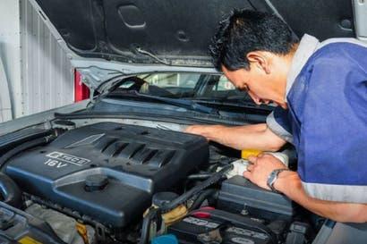 Conozca cinco prácticas que podrían dañar el motor de su vehículo