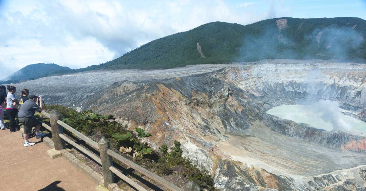 Organización propone geoparques para reactivar el Poás y el Turrialba