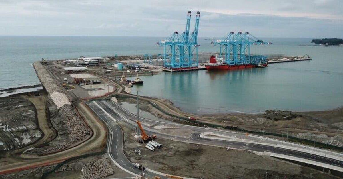 APM Terminals recibe segundo embarque de grúas pórticas y de patio