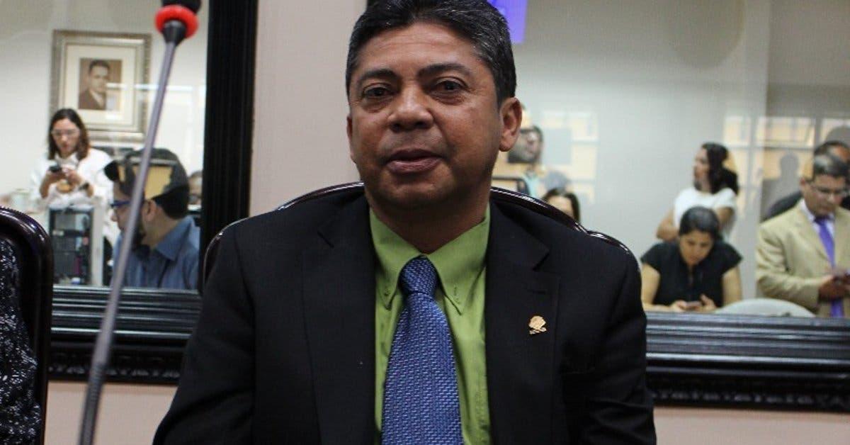 Fiscalía investigará a diputado de Restauración tras perder su inmunidad