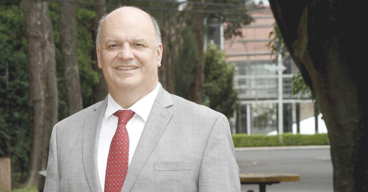 Eventual salida de Mario Alfaro del Sinart se definiría hasta el otro martes
