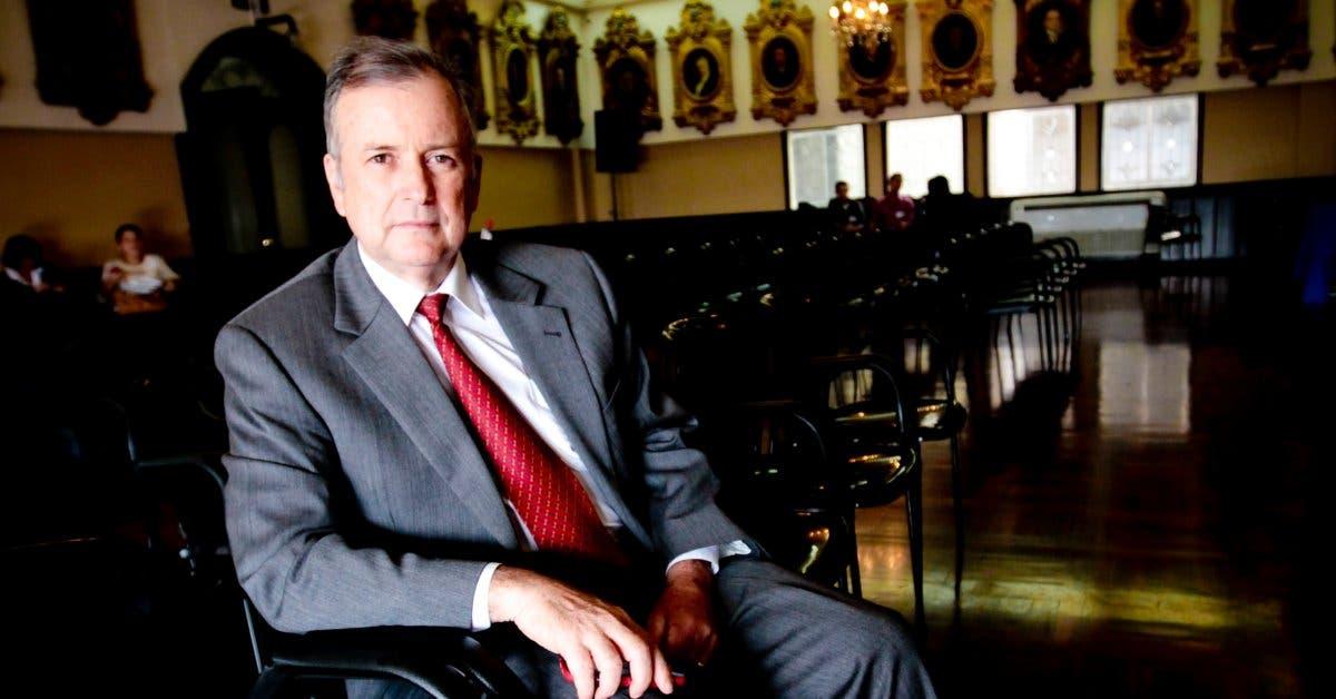 Piden a Ottón Solís renunciar al BCIE y ser garante ético