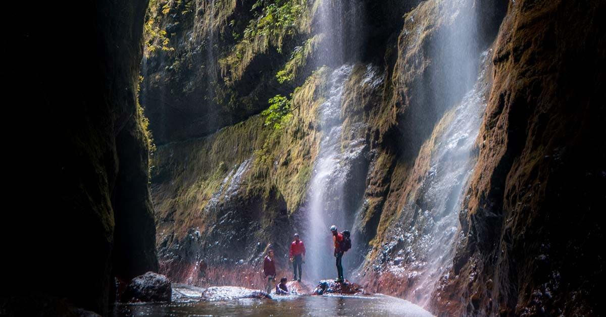 Joven tico descubrió ciudad de cataratas practicando cañonismo en el país