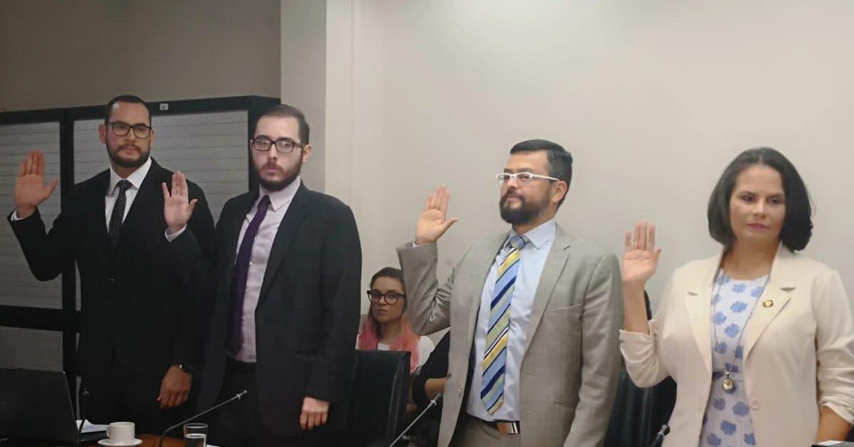 Diputados llaman a comparecer a Alejandro Alfaro por caso del Sinart