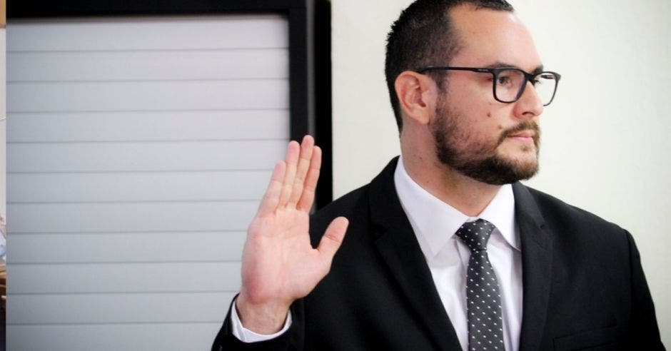 Diputados llaman a comparecer a más personas por caso del Sinart