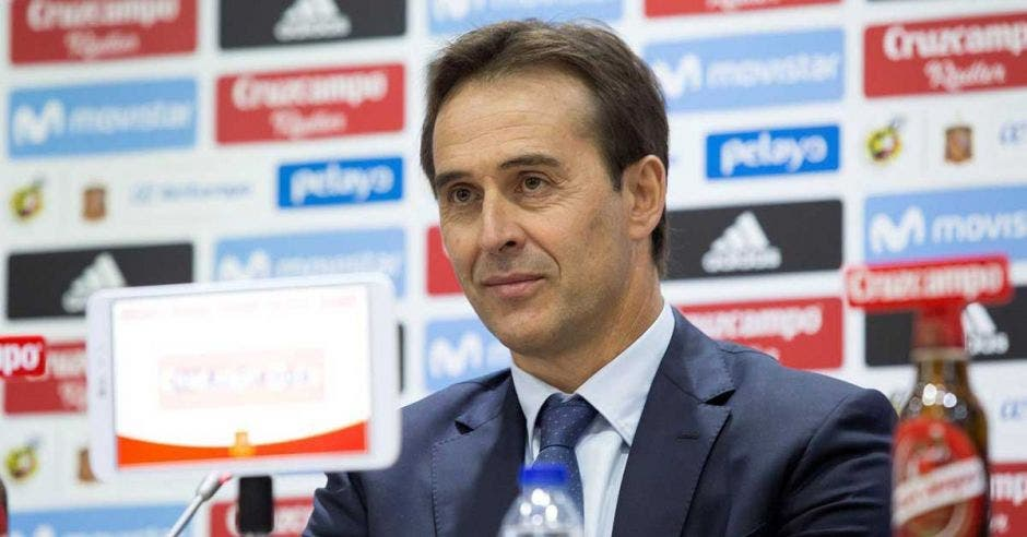 Julen Lopetegui en conferencia de prensa con la Selección de España
