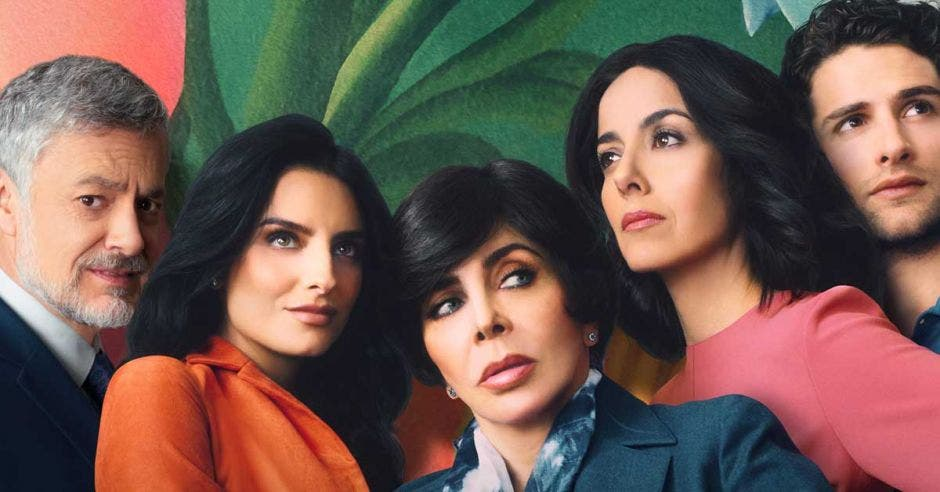 Elenco de la serie La Casa de las Flores de Netflix.
