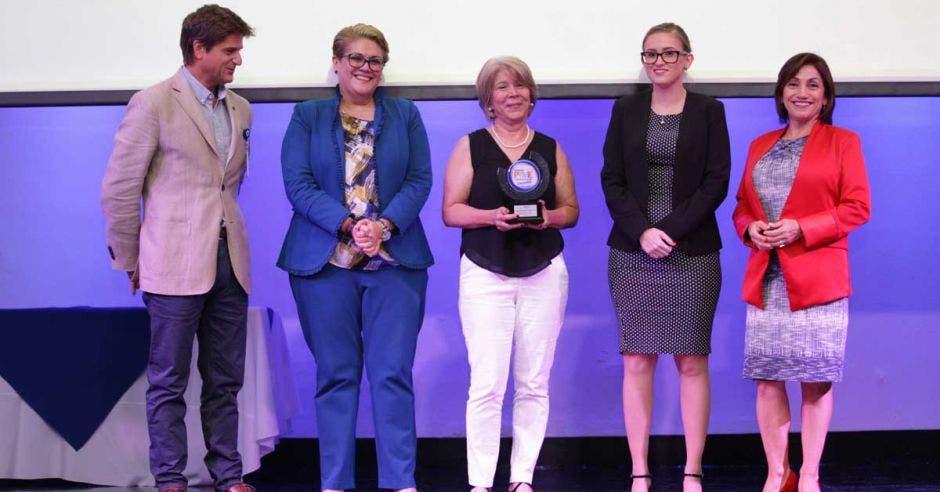 Walmart premia a cinco pymes nacionales