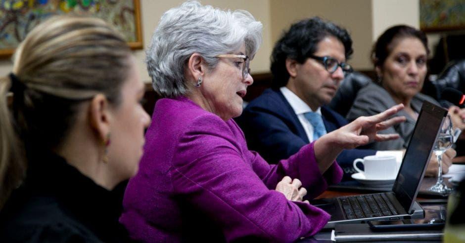 Rocío Aguilar, ministra de Hacienda, compareció ante los diputados.