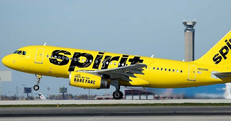 avión de Spirit despegando
