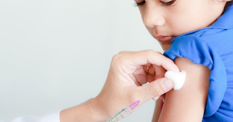 Más de 35 mil niñas serán vacunadas contra cáncer de cérvix en 2019