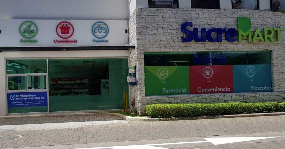 Sucre, además de farmacia, incorpora veterinaria y tienda de conveniencia