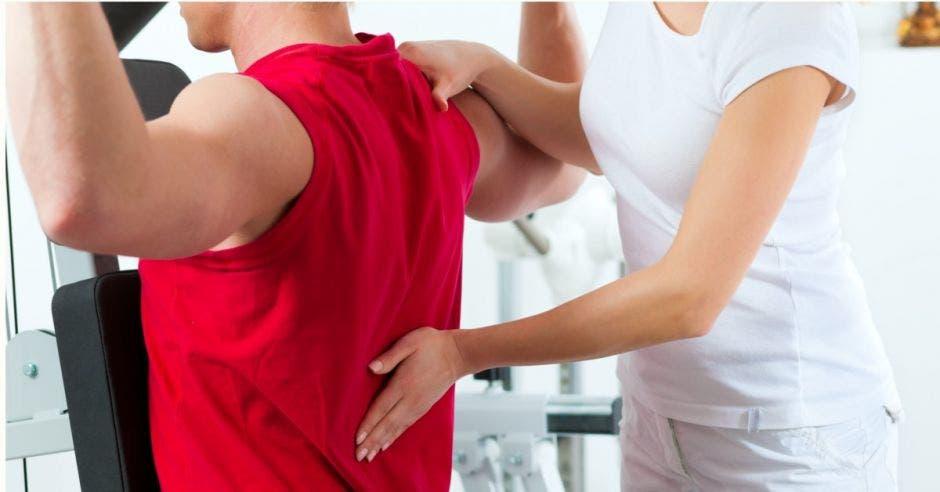 UACA abre curso de técnicas básicas de masaje
