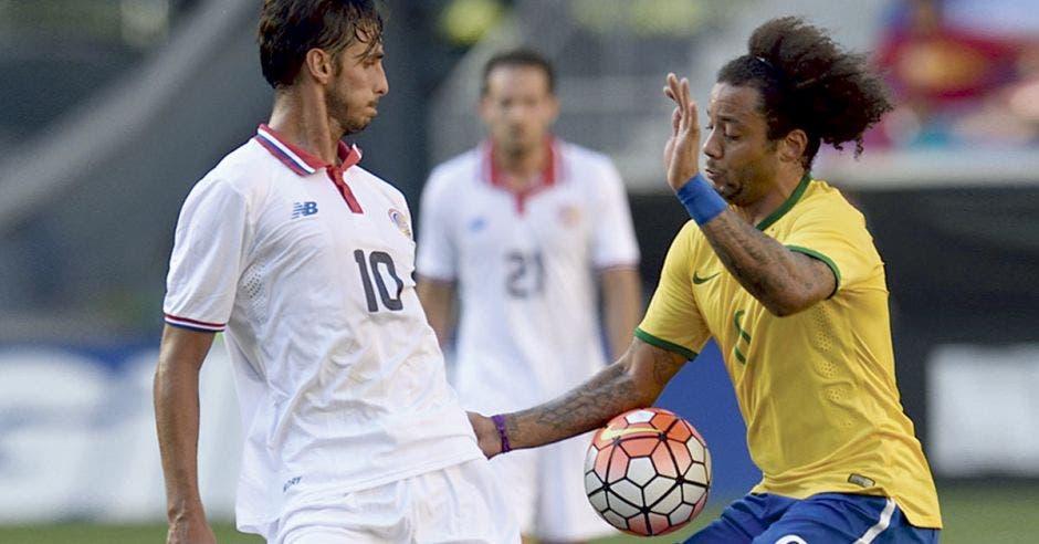 Bryan Ruiz y Marcelo