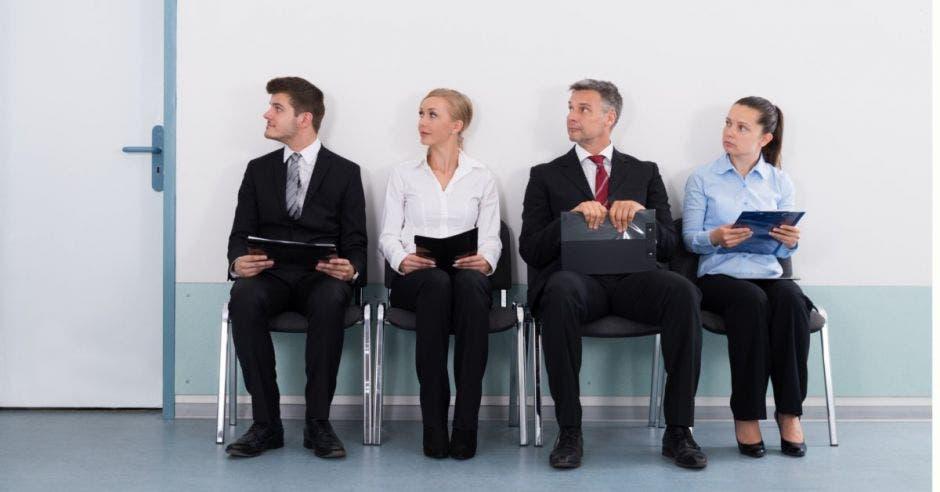 UCR realiza feria de empleo para personal en áreas económicas