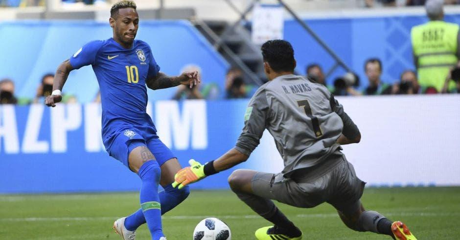Neymar ataca la cabaña de Keylor Navas
