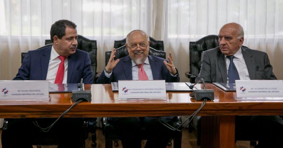 Reforma del Estado 2.0 es propuesta por Carlos Alvarado