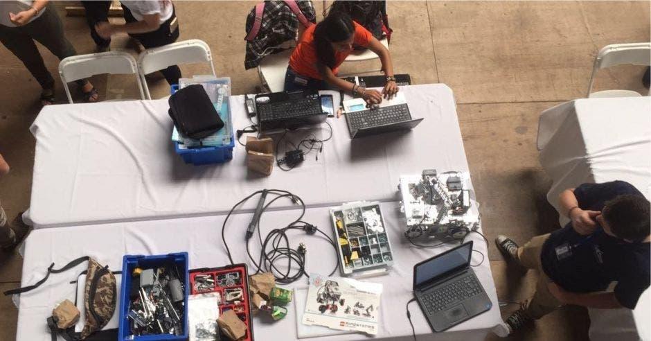 Universidad Fidélitas ofrecerá cursos de robótica para colegiales