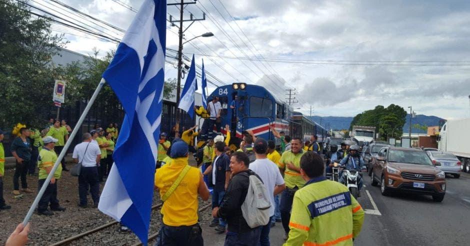 Usuarios lograron poner en funcionamiento tren Heredia – San José