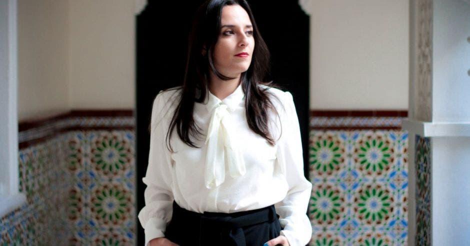 Natalia Díaz posa para una foto retratada.