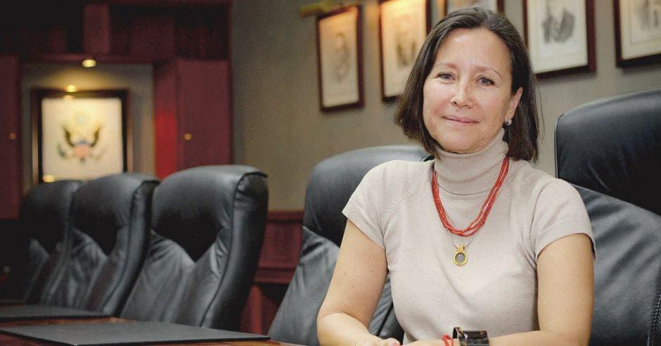 """Delegada de CRUSA: """"Fundación apoya transporte público verde"""""""