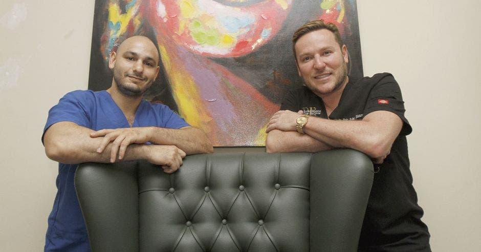 "Dos médicos ticos ponen a Costa Rica en ""mapamundi"" de cirugía cosmética"