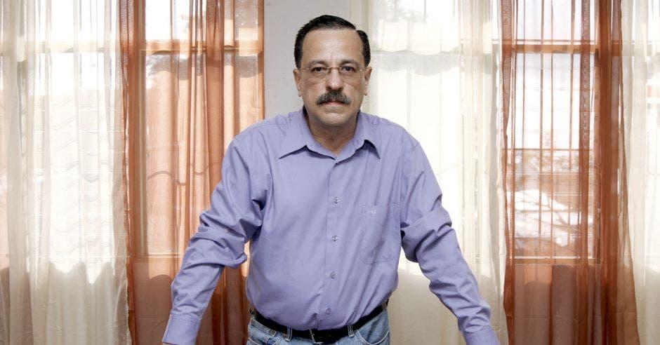 Sindicatos amenazan a Carlos Alvarado con huelga indefinida