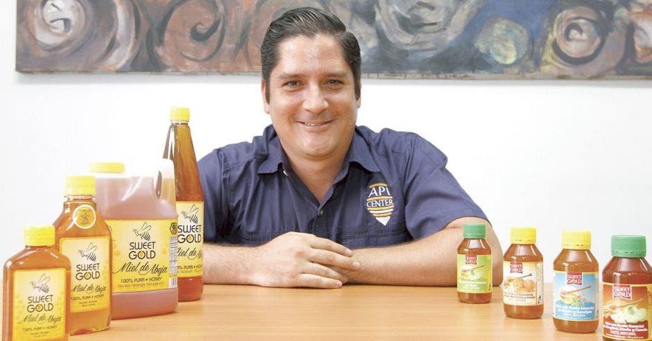 Pyme guanacasteca fusiona miel y aceites esenciales en un producto