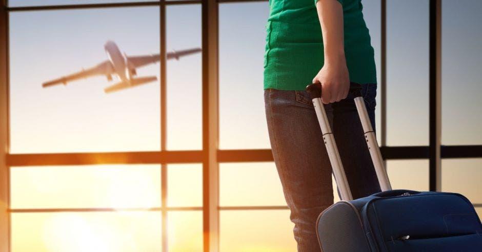 ¿Viajará en vacaciones? Aplique 8 consejos de seguridad financiera