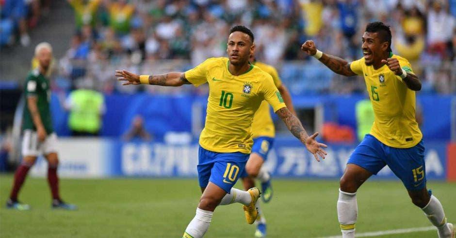 Neymar aprovechó la velocidad de Willian que ingresó en velocidad al área y le sirvió el 1-0 con el que Brasil venció a México.