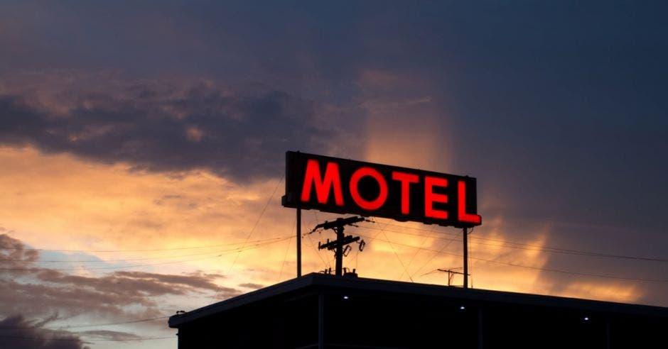 272 moteles le deben ¢3 mil millones en impuestos al IMAS