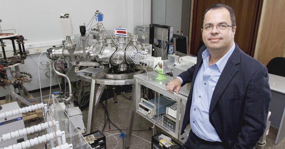"""Iván Vargas: """"Necesitamos más científicos ticos que inspiren a los niños"""""""