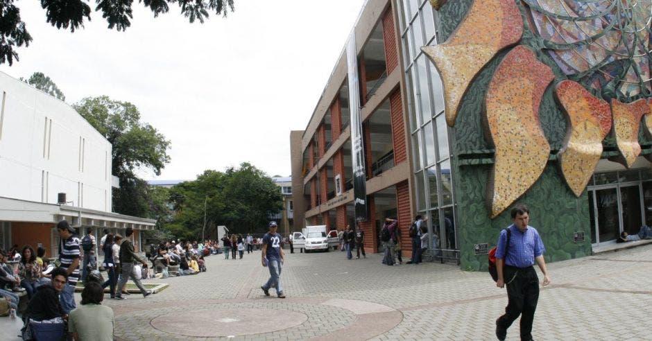 UCR acogerá a cuatro estudiantes nicaragüenses por conflicto de su país