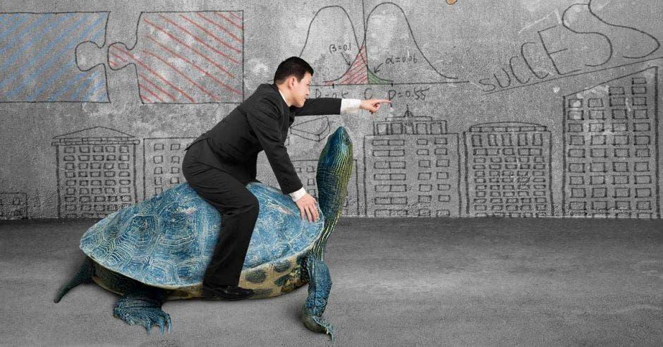 Empresas y empleados viven una economía lenta