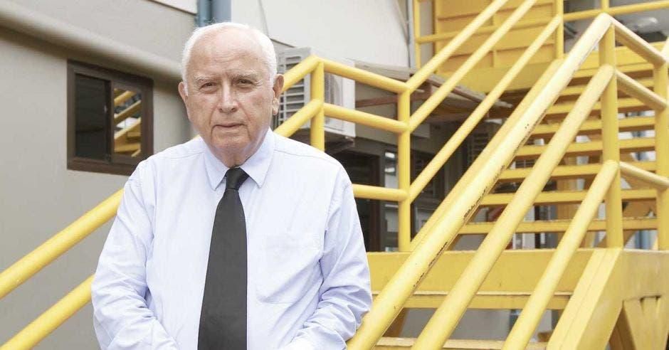 Rodolfo Méndez en las instalaciones del MOPT