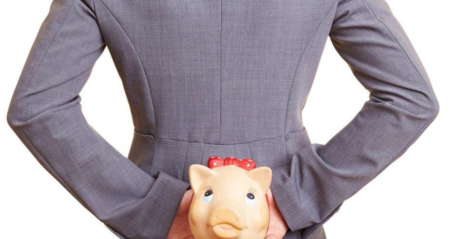 Contraloría detecta fallos en sistema de denuncias de Hacienda