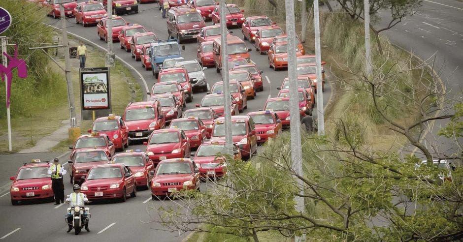 ¿Taxis en vía de extinción?