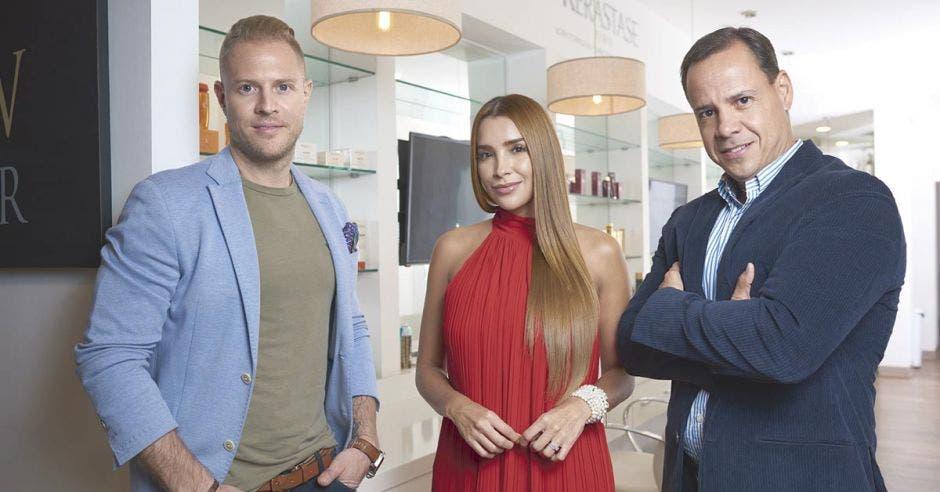 Mauricio Hoffmann, Ericka Morera y Carlos Hernández Aguiar de Blow Dry Bar