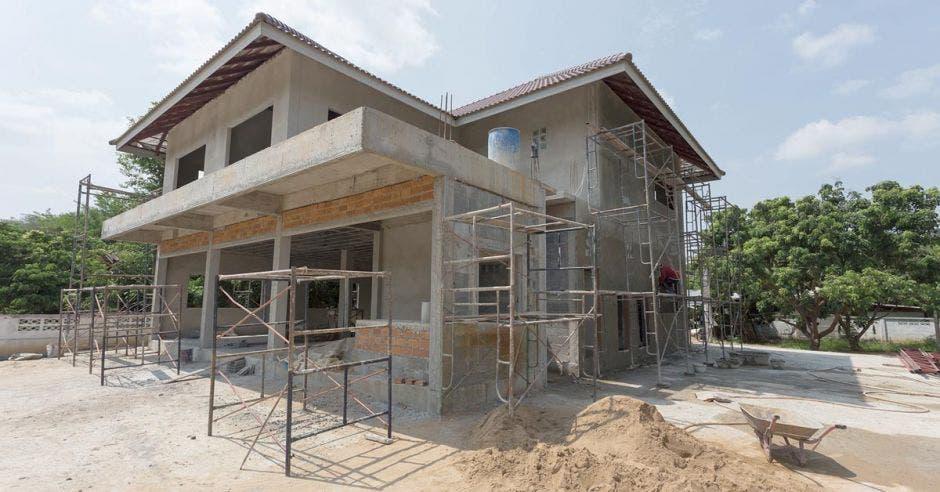 Caen compras inmobiliarias por extranjeros