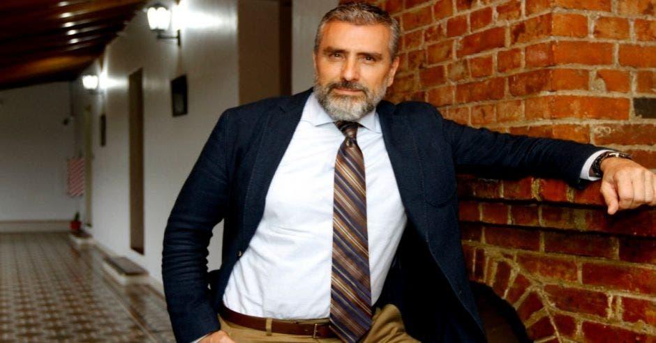 Otto Guevara pide a Carlos Alvarado no ceder a presiones en tema de Uber