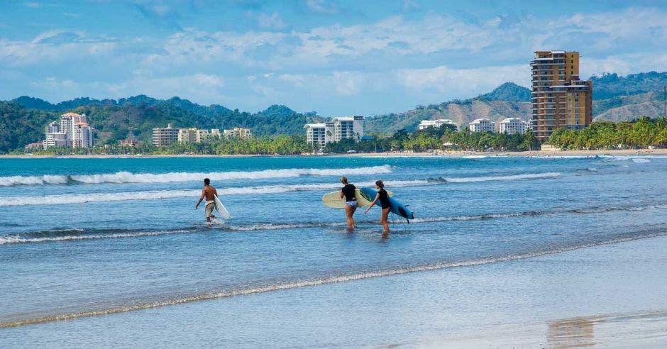 Siete razones por las que debe visitar Costa Rica, según Volaris